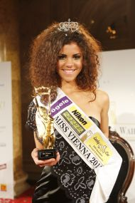 Queen of Vienna 2013, Yemisi Riegler